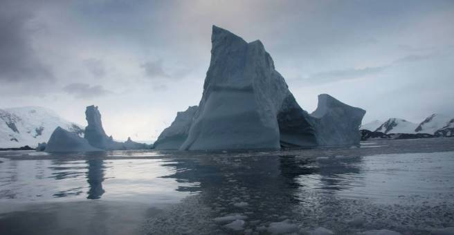 NASA says a giant ice shelf in Antarctica will be gone within the decade | The Verge