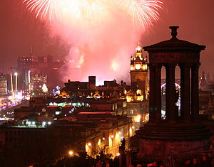 English: Fireworks over Edinburgh on New Year'...