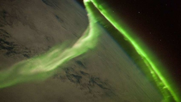 1553269937936 1024px Aurora Australis From ISS