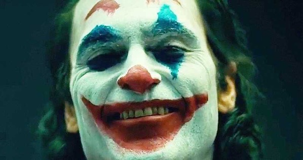 Joker Movie Wraps Production Joaquin Phoenix Set Photos